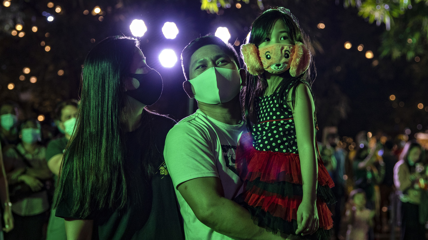 Countries reconcile new year celebrations with persistent concerns about pandemics: NPR