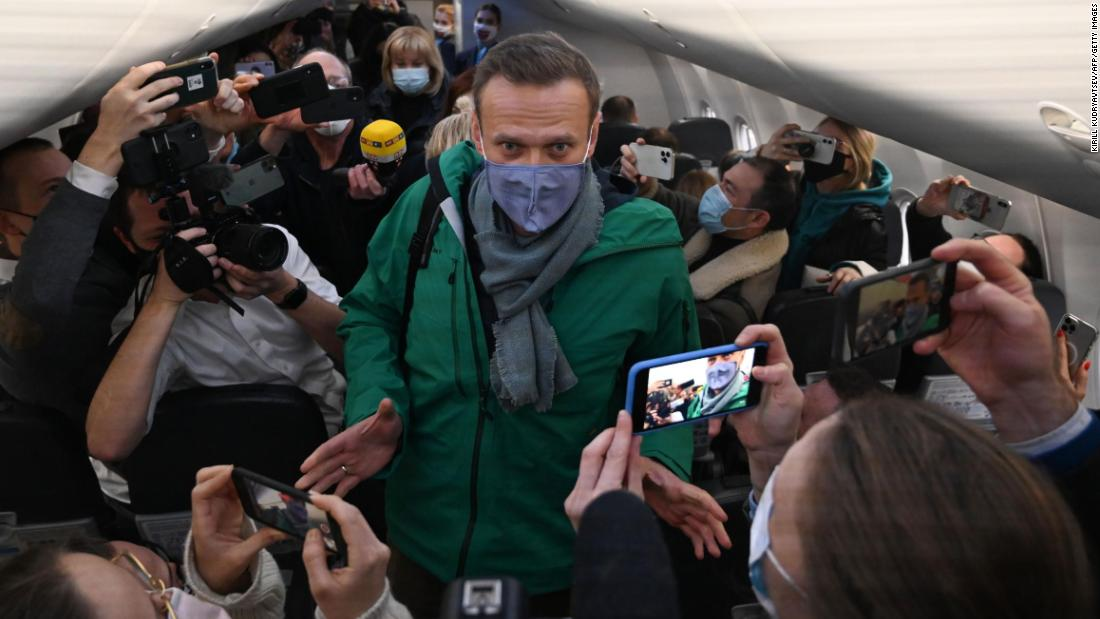 Alexei Navalny will be detained for a month after his return to Russia