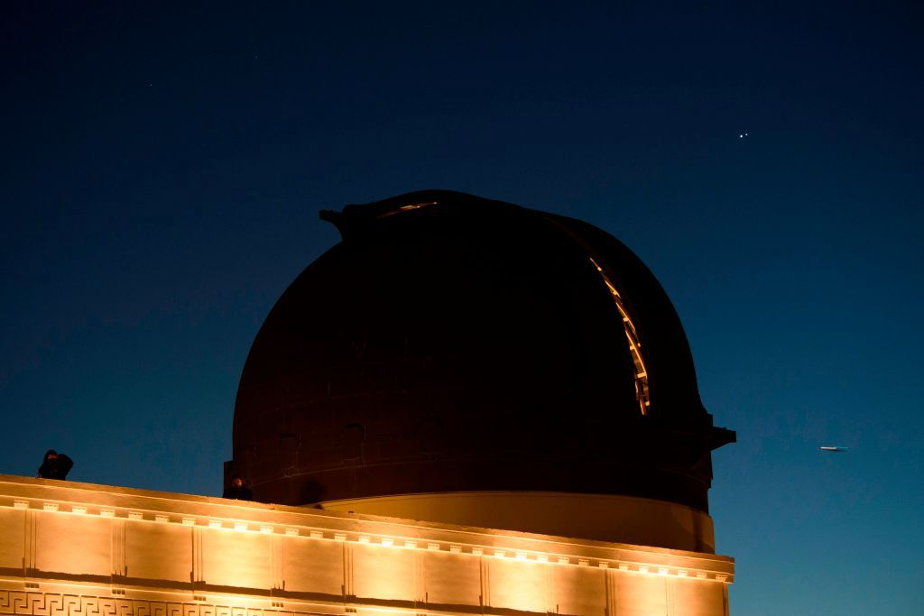 Here's how to spot the rare conjunction of Jupiter, Mercury and Saturn in tonight's sky